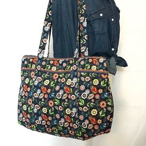 Quilted tote bag Navy blue floral